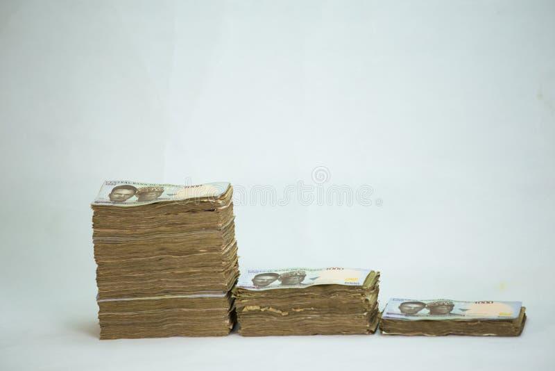 Стог примечаний найры Нигерии счетов N1000 стоковое изображение