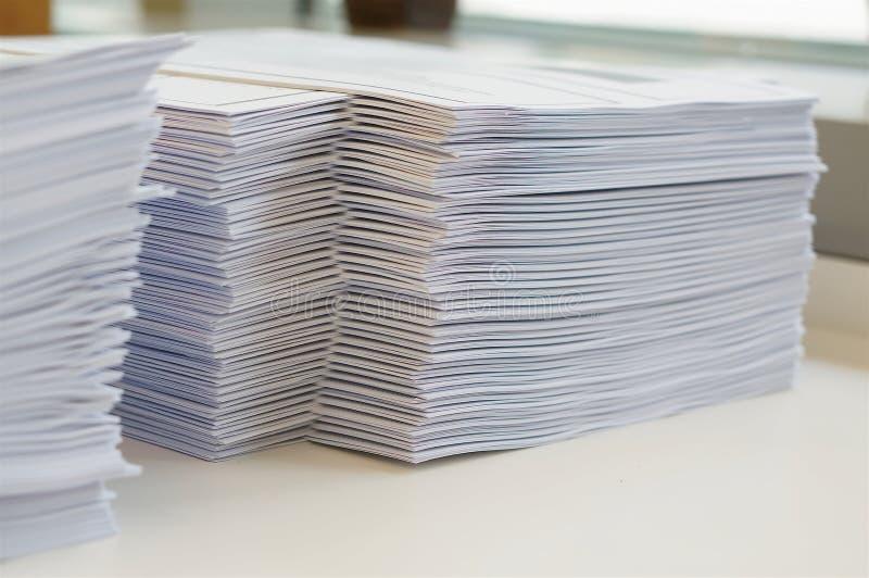 Стог рабочего листа бумаг стоковое фото rf
