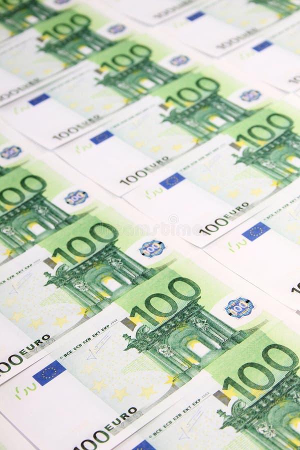 Download Стог счетов 100� стоковое фото. изображение насчитывающей банка - 33731384