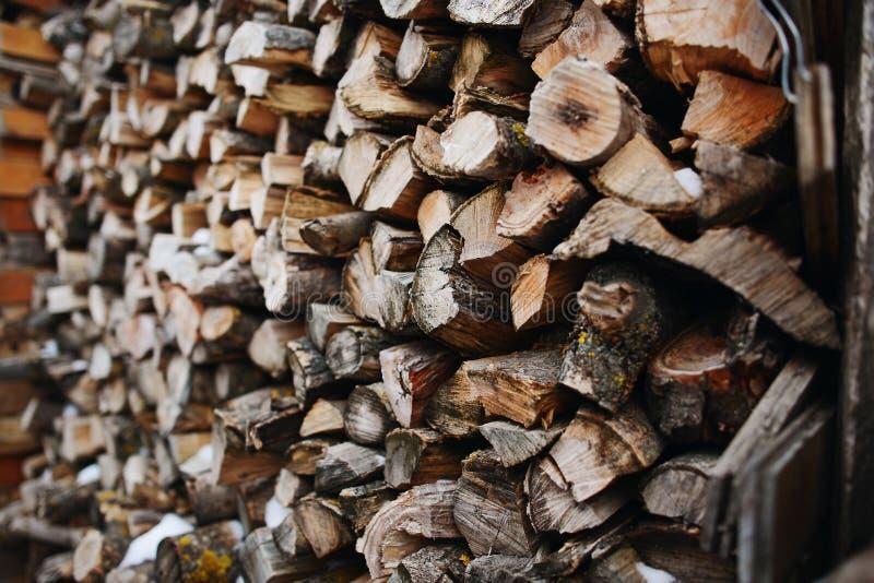 Стог швырка березы - естественная предпосылка стоковое изображение