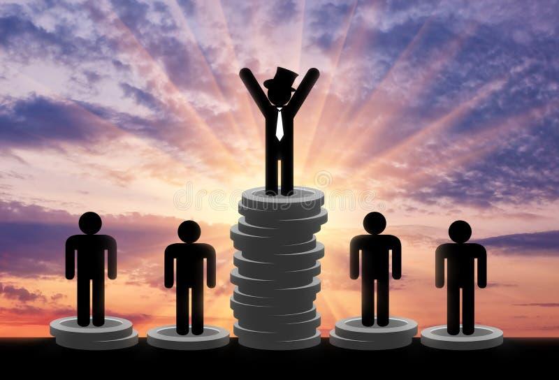 Стойка богачей и бедных человеков на деньгах стоковое изображение rf