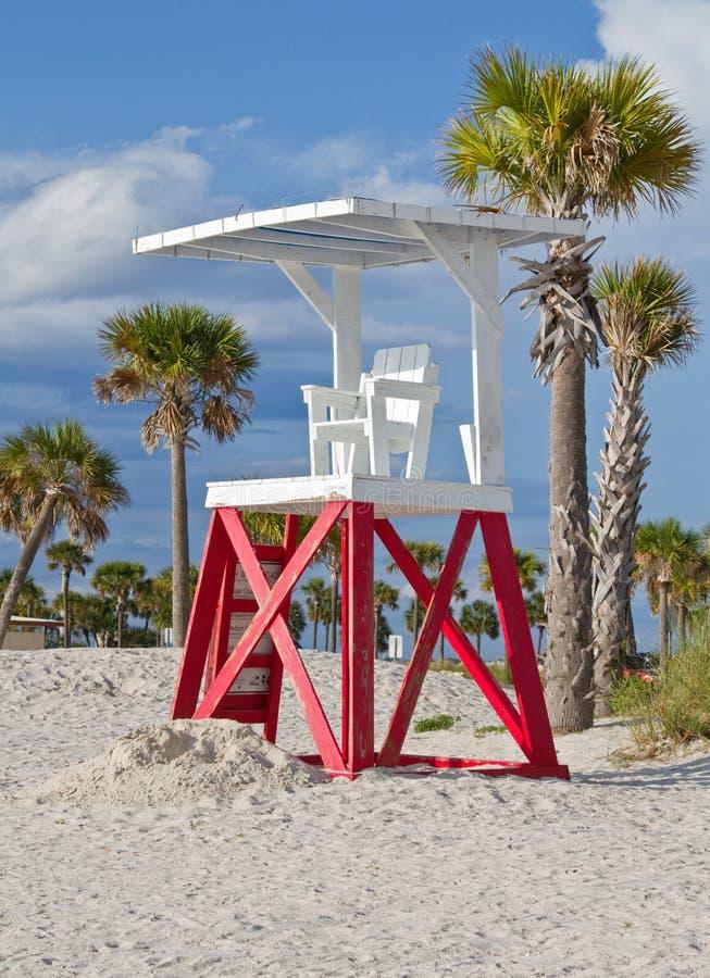 стойка жизни предохранителя пляжа стоковое фото rf