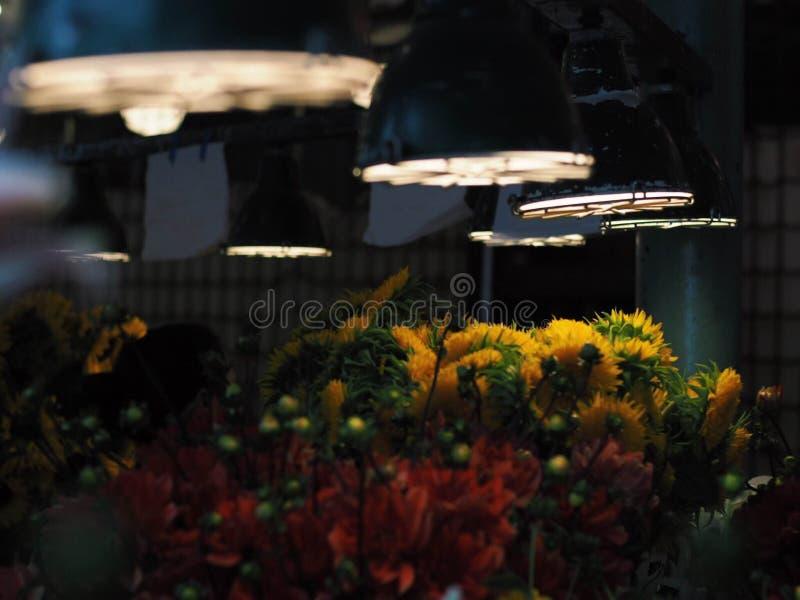 Стойка цветков в рынке места Pike стоковые фотографии rf