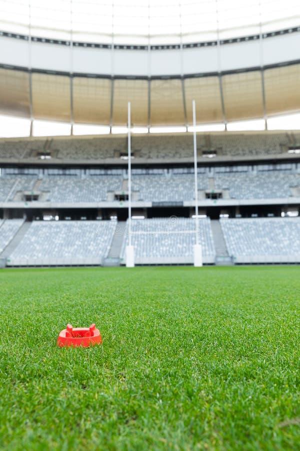 Стойка шарика рэгби в стадионе стоковые фото