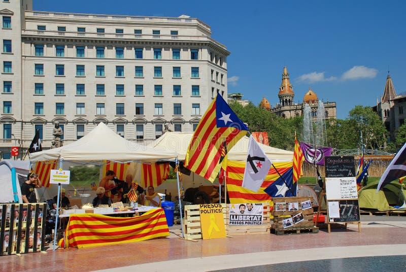 Стойлы политики Llibertat Presos в Барселоне стоковые фотографии rf