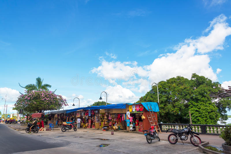 Стойлы сувенира Iquitos стоковые изображения rf