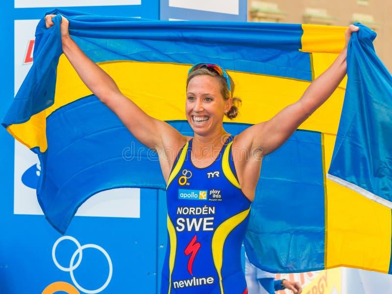 Стокгольм - Лиза Nordén через finishline, счастливое с Swe стоковое фото