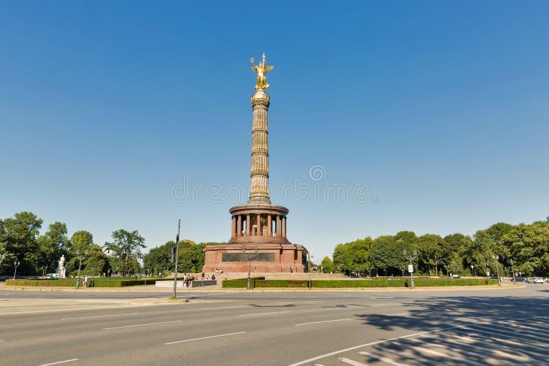 Столбец победы в парке Tiergarten berlin Германия стоковая фотография
