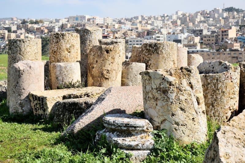 Столбцы разрушенного греко-римского города Иераш, Иордания стоковые фото