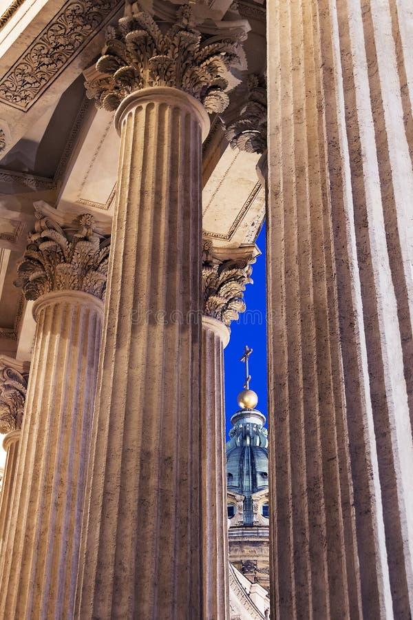 Столбцы собора Казани в Санкт-Петербурге, России стоковые фото