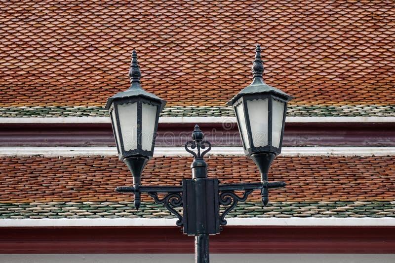 Столб лампы старого стиля в Бангкоке, Таиланде стоковое фото rf
