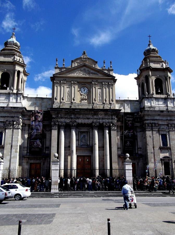 Столичный фасад собора на городской Гватемале стоковое фото rf