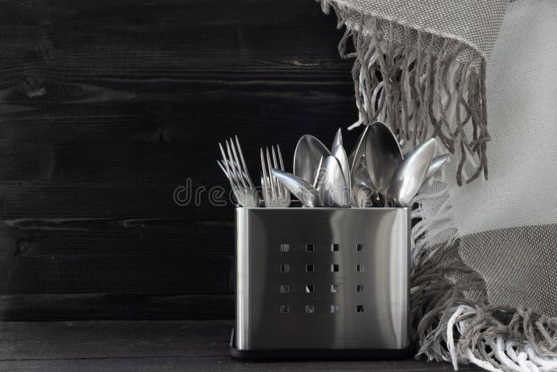 Столовый прибор Inox Ложка и вилка Нержавеющая сталь Фото стиля Monocrome стоковая фотография