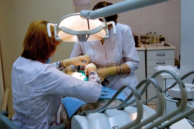 стоматологическая обработка стоковое изображение