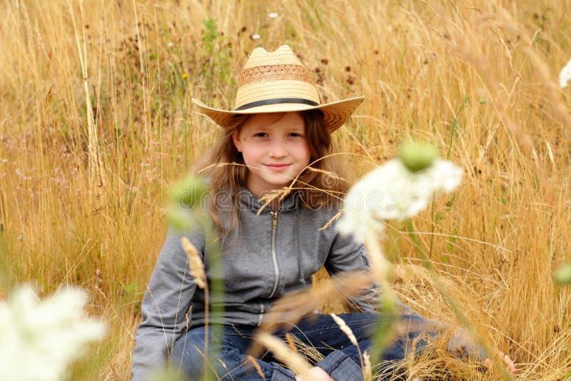 сторновка preteen шлема девушки страны ся стоковая фотография rf