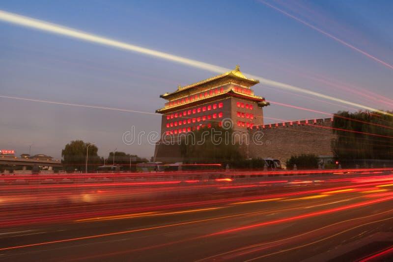 сторожевая башня ночи строба desheng Пекин стоковая фотография