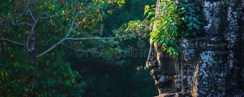 Сторона виска Bayon, Angkor, Камбоджи стоковое фото