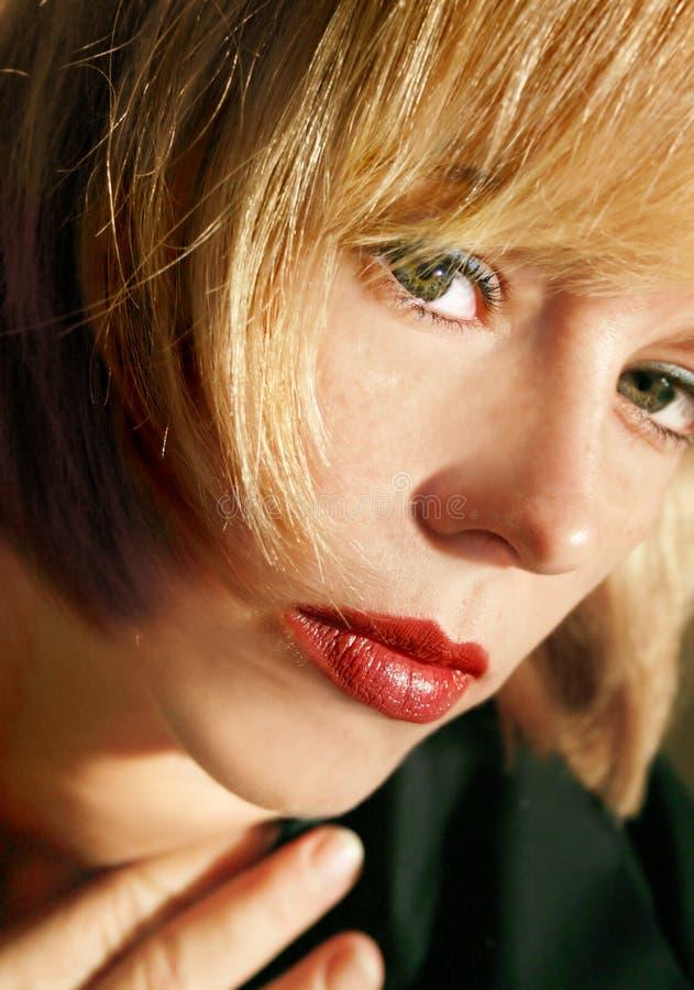 Download сторона крупного плана красотки Стоковое Фото - изображение насчитывающей взволнованность, красивейшее: 283230