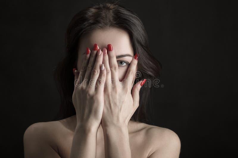 Сторона крышки женщины стоковые изображения rf
