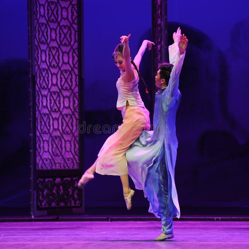Сторона мухы - мимо - сторона - второй поступок событий драмы-Shawan танца прошлого стоковая фотография rf