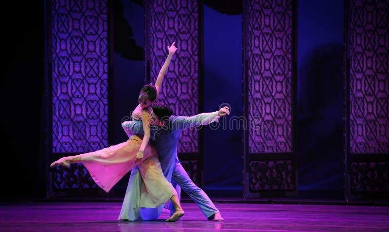 Сторона мухы - мимо - сторона - второй поступок событий драмы-Shawan танца прошлого стоковое изображение