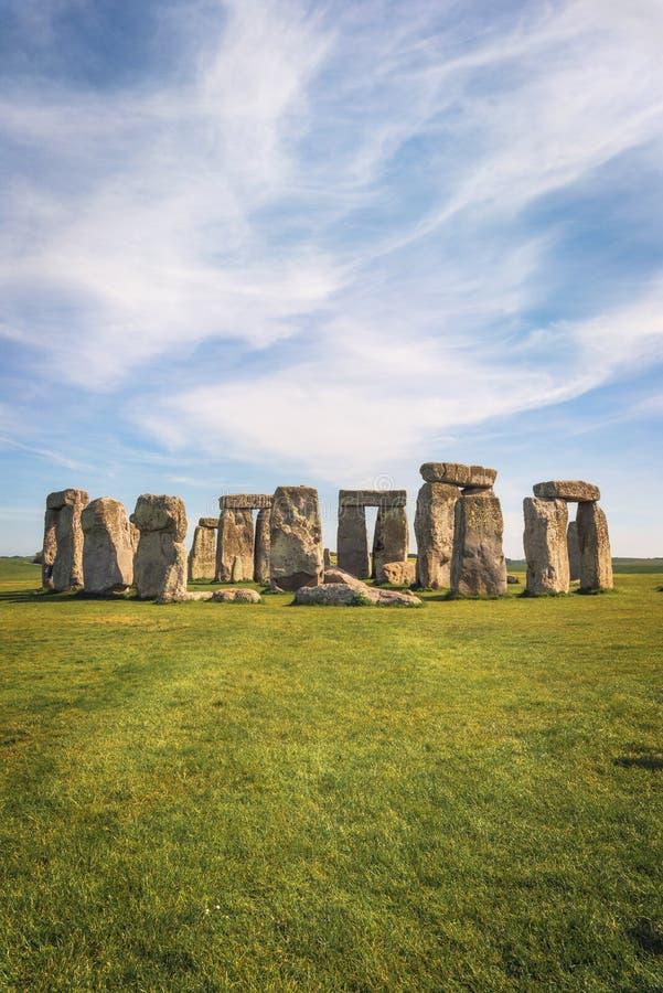 Стоунхендж старый доисторический каменный памятник около Солсбери, Великобритания, место всемирного наследия ЮНЕСКО стоковая фотография