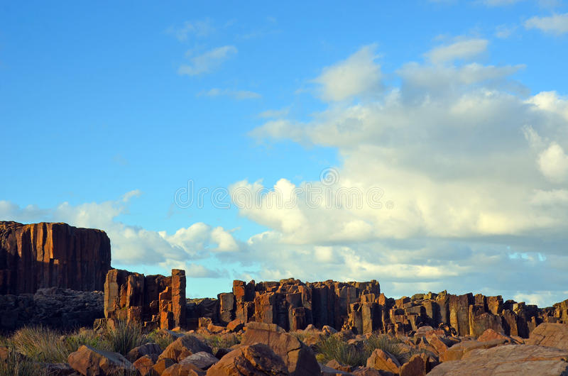 Столбцы базальта на headland Bombo разрабатывать, NSW стоковая фотография