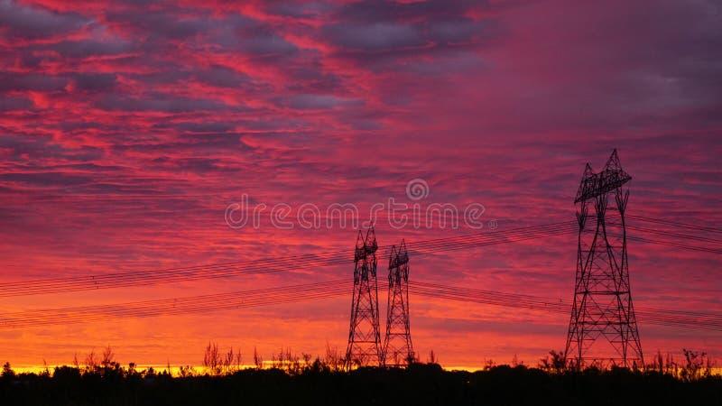 Столбы энергии в восходе солнца стоковое изображение rf