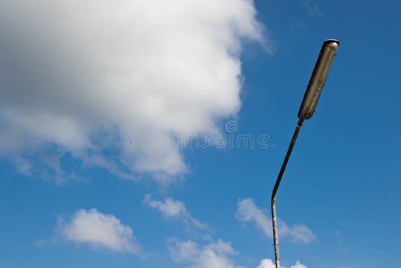 Столб спорта светлый на красивой предпосылке неба стоковые фото
