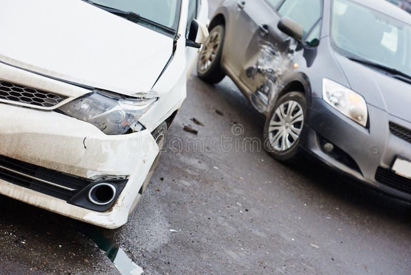 Столкновение автокатастрофы в городской улице стоковое фото rf