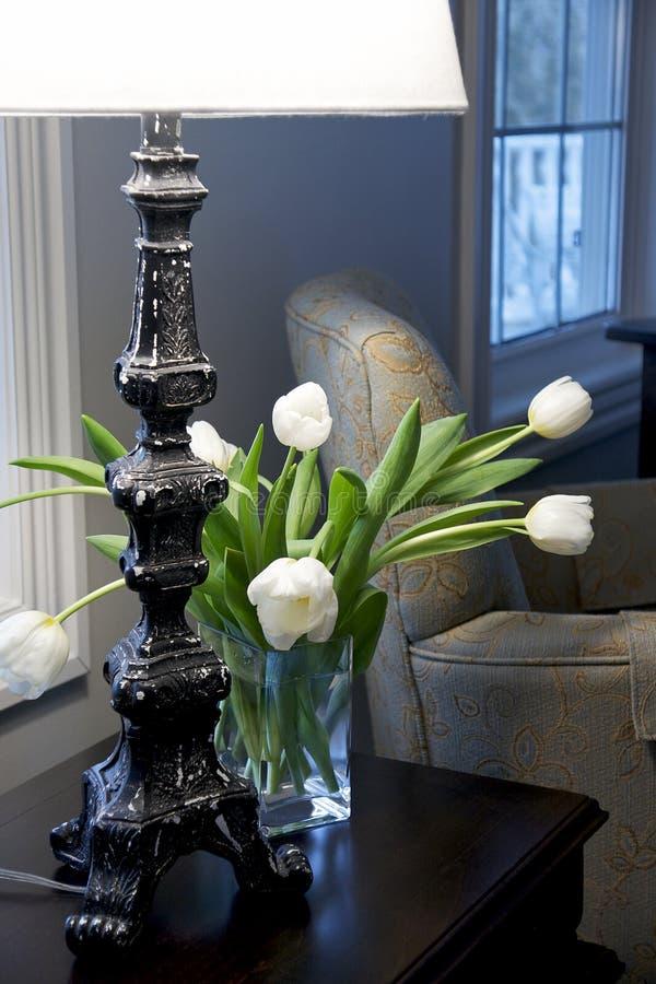 страна украшая французские тюльпаны стоковые фотографии rf