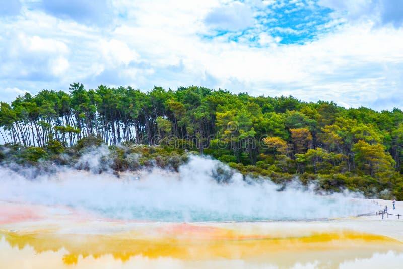 Страна чудес Новая Зеландия Wai-O-Tapu термальная стоковое изображение