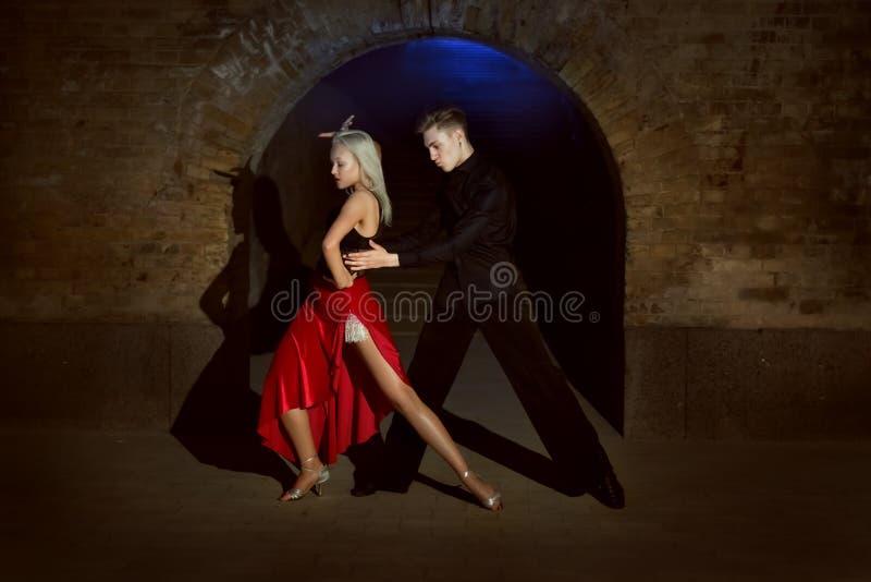 Страсть в каждом движении танца стоковые изображения