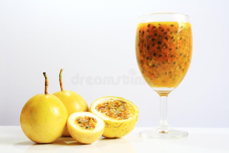 страсть фруктового сока стоковые фотографии rf