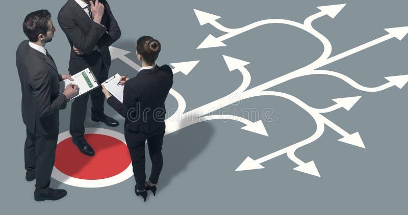 Стратегии корпоративной команды планируя для их дела стоковое фото rf
