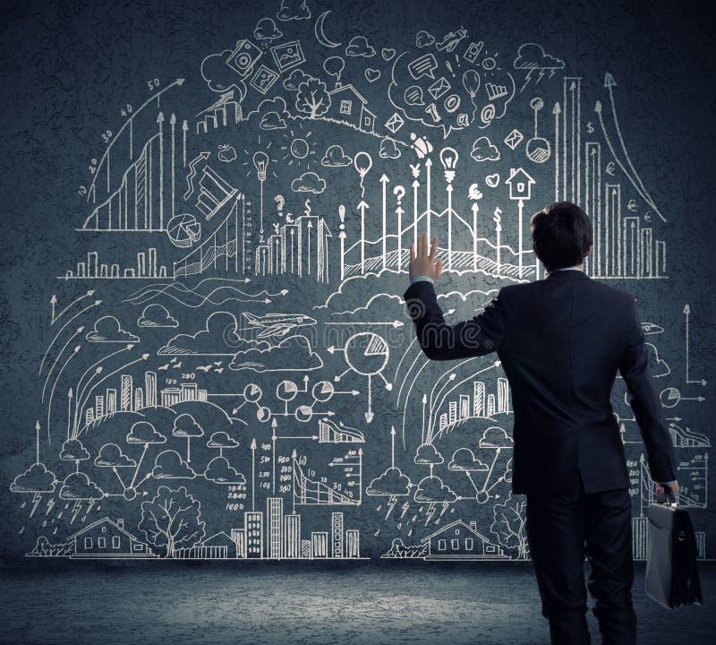 Download Стратегия бизнеса стоковое изображение. изображение насчитывающей бульвара - 41650581