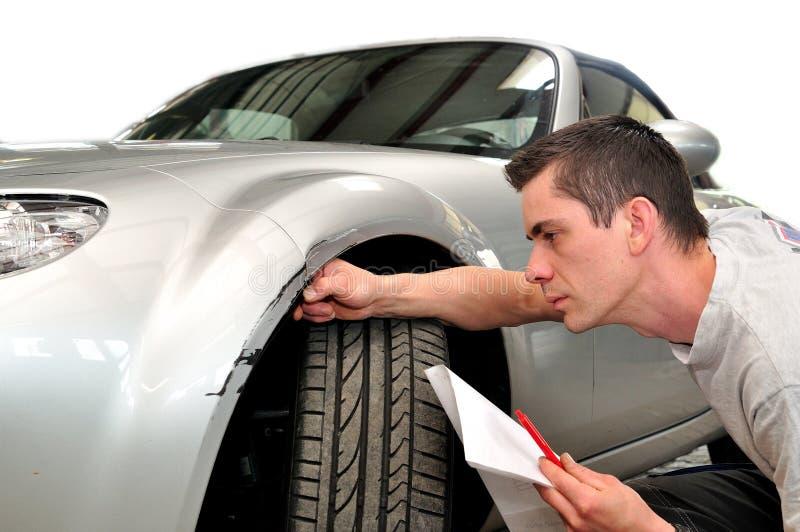 Страховой инспектор страхования автомобилей стоковая фотография