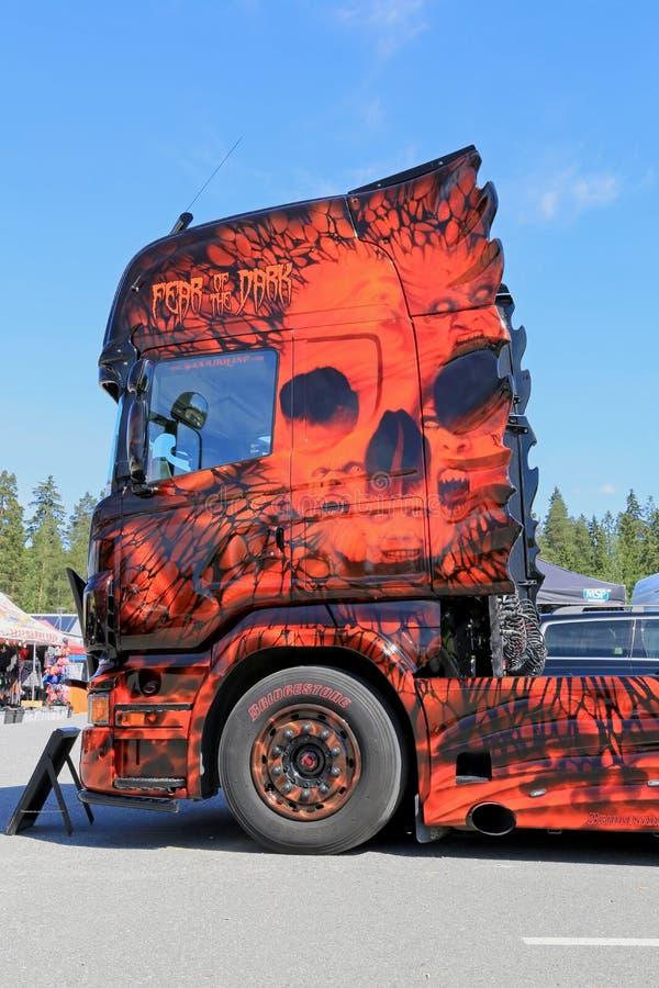 Download Страх темного художественного произведения тяжелого грузовика Редакционное Фотография - изображение насчитывающей тяжело, страх: 41653942