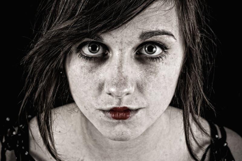 страшная зловещая женщина стоковое изображение rf