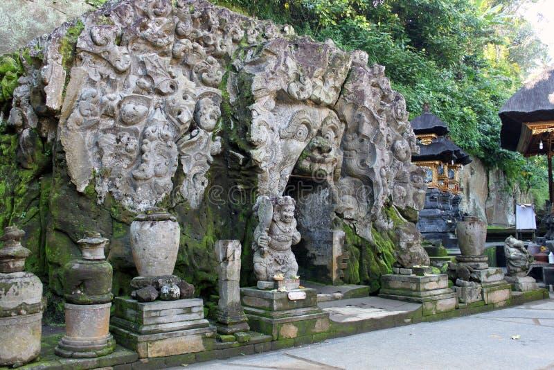 Страшный вход к пещере слона в Бали стоковые фотографии rf
