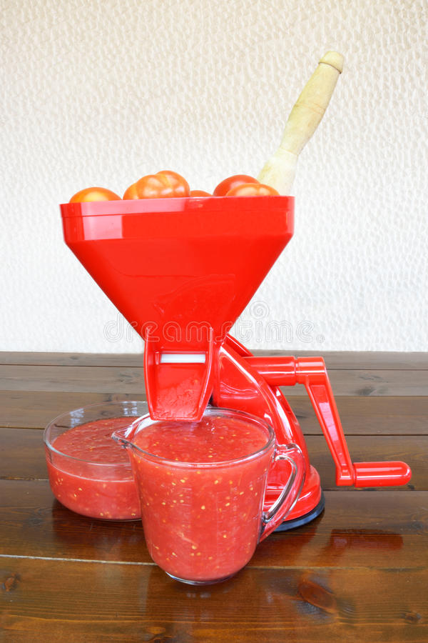 Стрейнер томата стоковая фотография