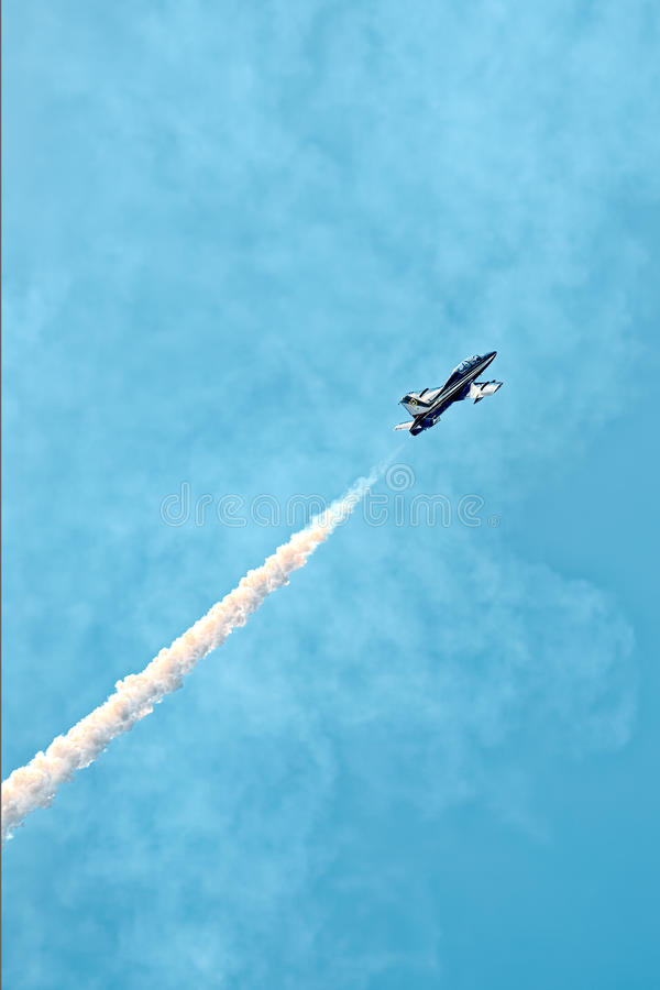 Стрелки Frecce Tricolori Tricolour на Пизе Airshow, итальянском национальном циркаческом ЛОТКЕ стоковая фотография rf
