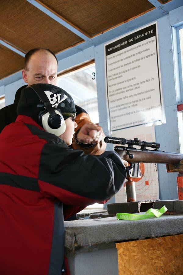 стрельба инструктора стоковые фото