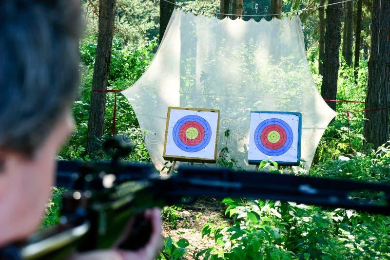 стрельба crossbow стоковое фото rf