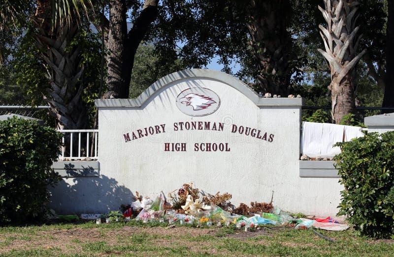 Стрельба Parkland средней школы Marjory Stoneman Дугласа стоковые фотографии rf