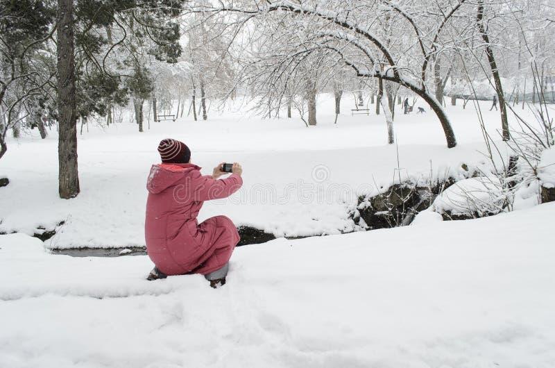 Стрельба женщины стоковая фотография