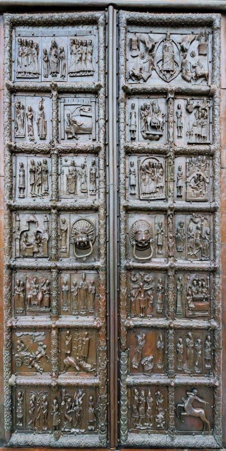 Download Стробы Магдебурга известные в Veliky Новгороде Стоковое Изображение - изображение насчитывающей макрос, шедевр: 40581225