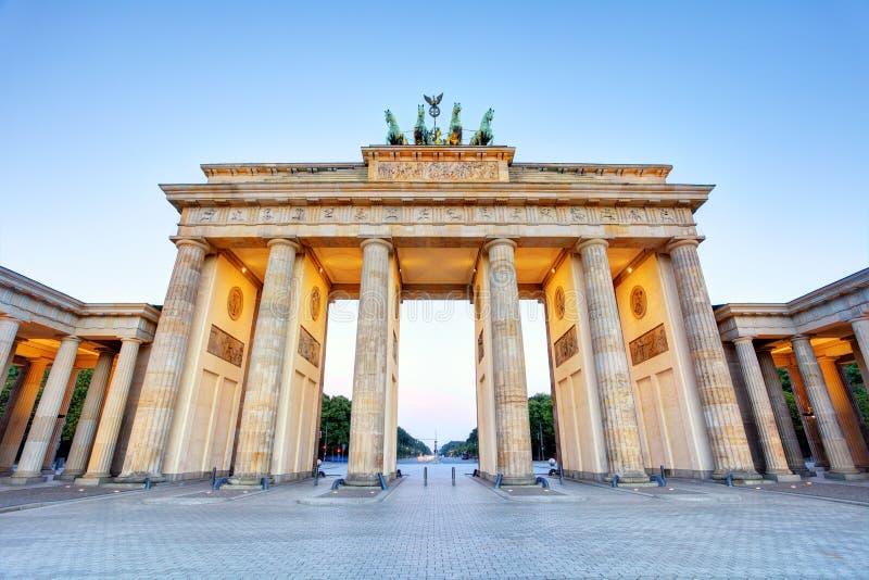 Строб Бранденбурга скалистой вершины Branderburger в Берлине, Германии стоковые изображения