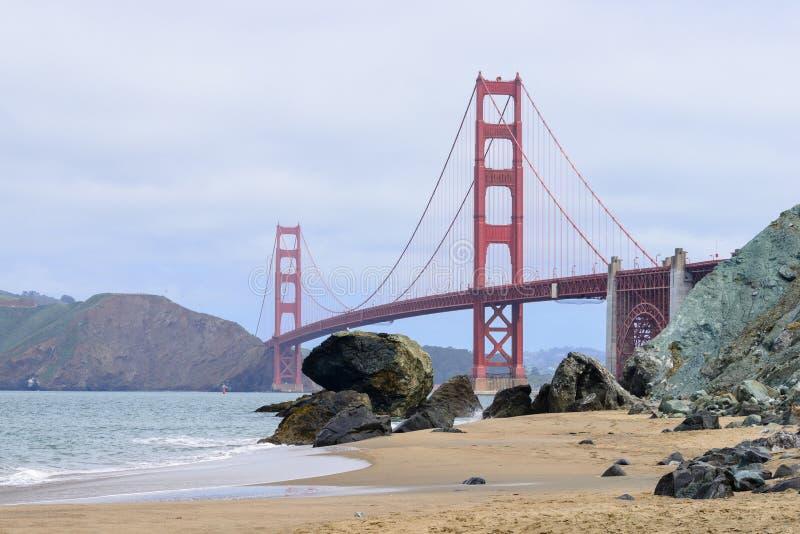 Download строб моста золотистый стоковое изображение. изображение насчитывающей природа - 40581327