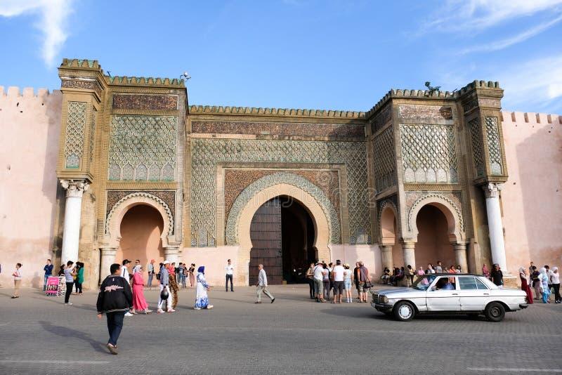 Строб с традиционной архитектурой - Марокко города Meknes старый стоковое изображение